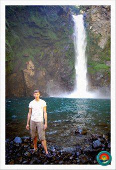 Dominik vor den Tappiya Falls in Batad