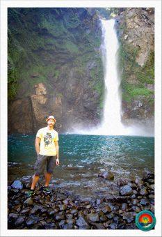 Michael vor den Tappiya Falls in Batad