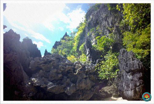 Spitze Felsen im Secret Beach